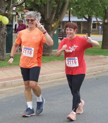 76 Peter & Kylie Osmond Winners of 21K Walk